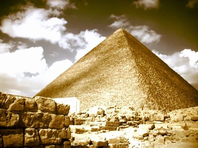 Όταν η ηδονή κτίζει πυραμίδες