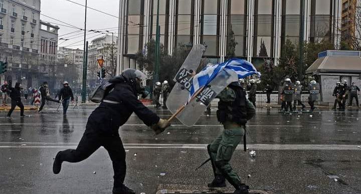 Οι Μπατριώτες της Υποτέλειας και οι Εθνικιστές της Αντίστασης